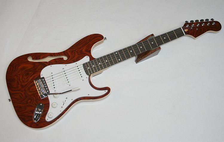 e gitarre semi wurzelholz matching headstock vibrato 3 single coil g 47 ebay. Black Bedroom Furniture Sets. Home Design Ideas